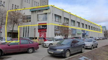 Торговая площадь в ТОЦ на перекрестке ул. Фрунзе и Сырецкой