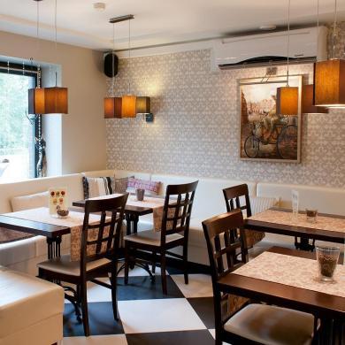 Продам кафе ресторан в Киеве на Крещатике